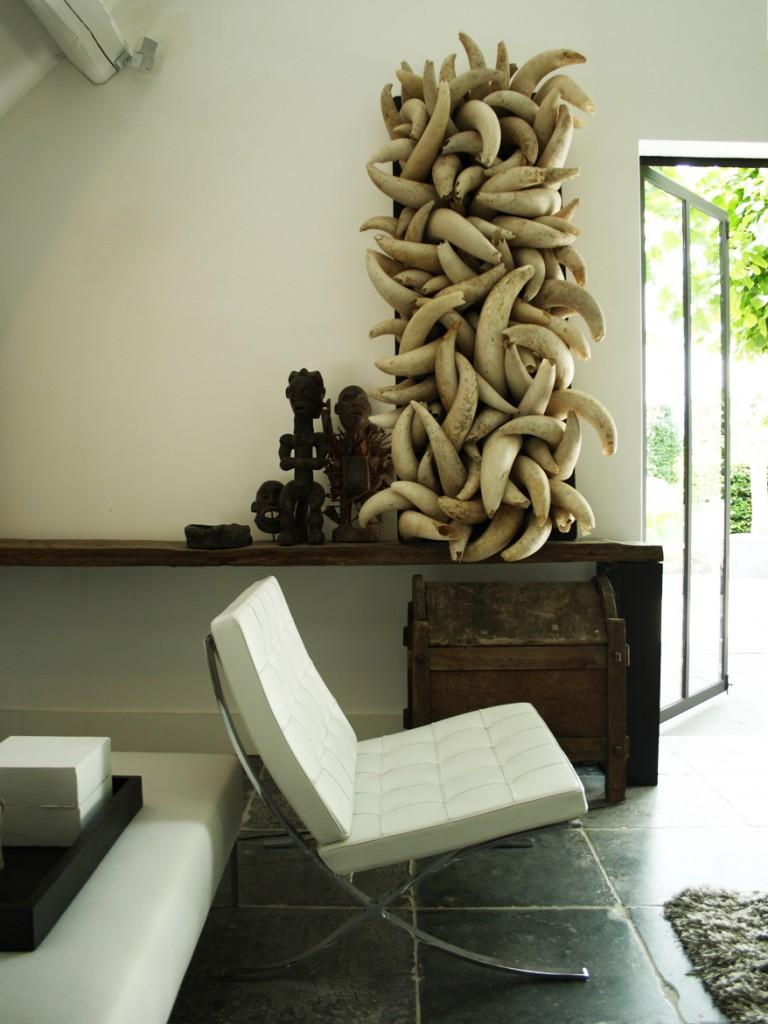 DK Dennis Kneepkens interior design wallpanel cow horns