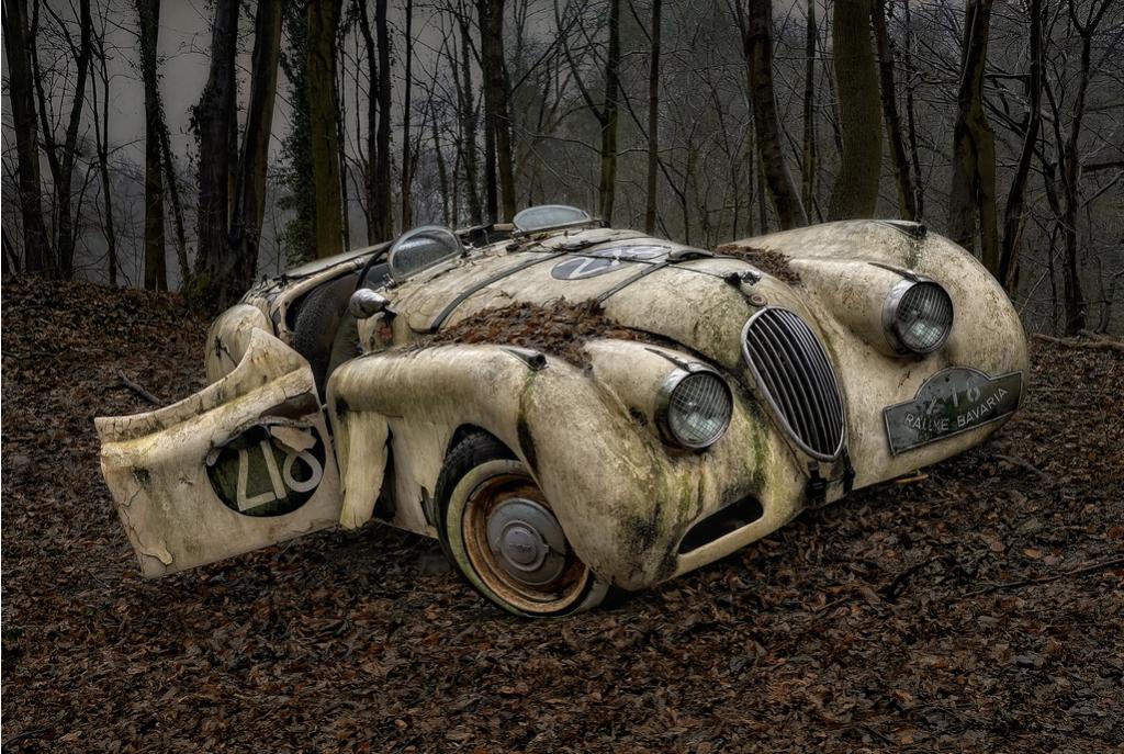 Abandoned car 3