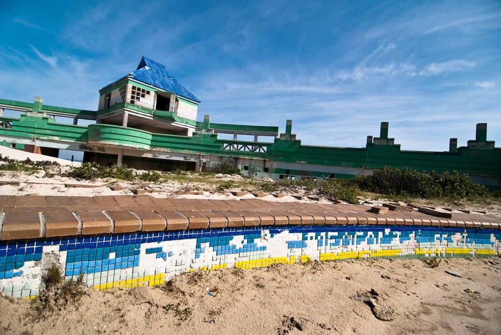 Macassar Beach Pavilion 2